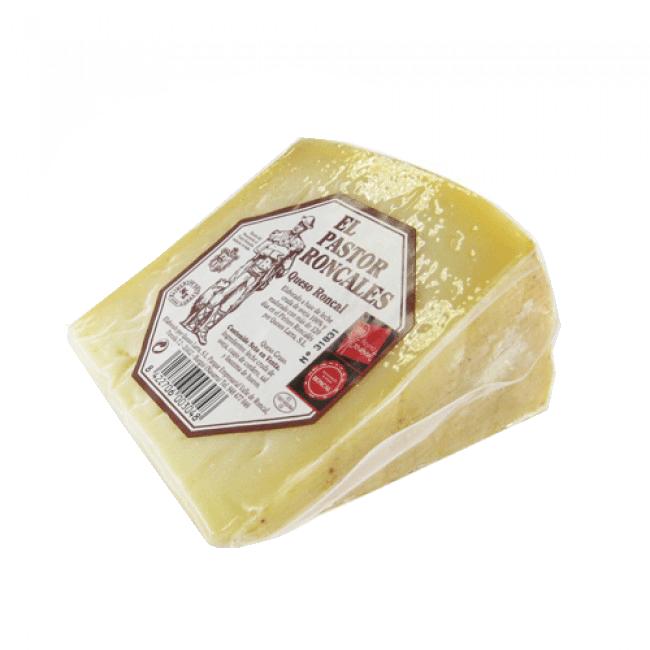 Ewe cheese Roncal El Pastor Roncalés wedge
