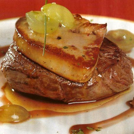 Solomillo con foie gras y reducción de Pedro Ximenez