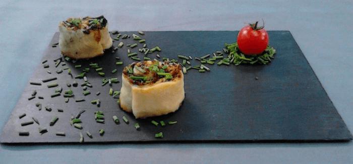 Hojaldre relleno de jamón ibérico, torta del Casar y jamón ibérico