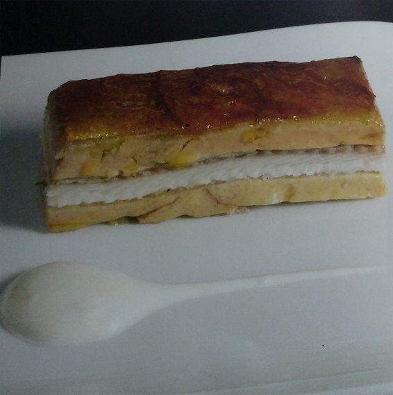 milhojas caramelizado de foie y anguila ahumada