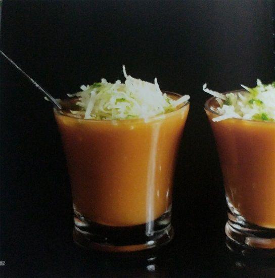 sopa de tomate con idiazabal ahumado