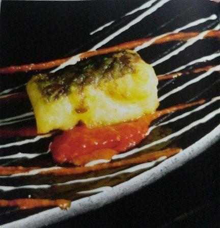 Tempura de bacalao con tomate seco