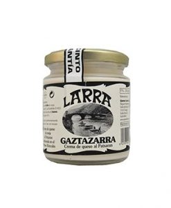 "Crema de queso Roncal al patxaran ""Gaztazarra"" Larra"