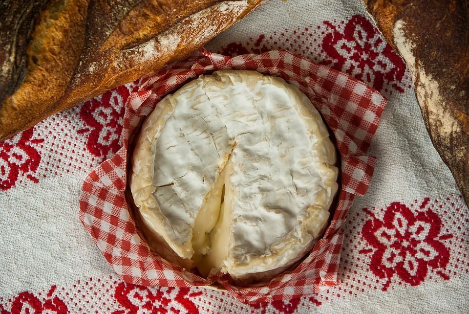 Cómo se come el queso Camembert